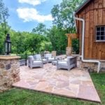 Natural stone patio by Dutchies Stoneworks